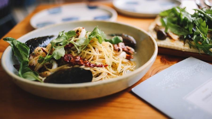 Rucola-pesto spaghetti, in 15 minuten klaar